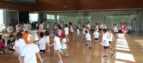 Aprendemos a calentar en el Campus Deportivo Illes!